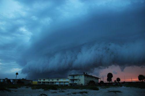 florida anrollendes storm rain cloud