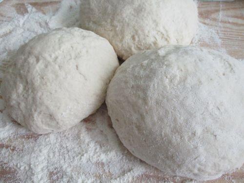 flour dough italian cuisine