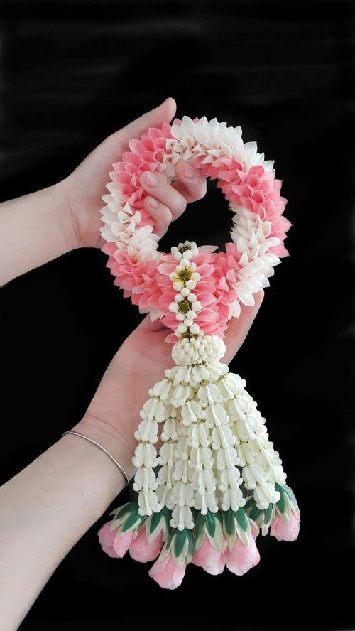 flower thai garland pink