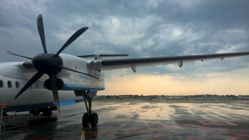 fly aviation passenger aircraft