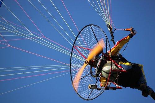 fly  flight  acrobatic