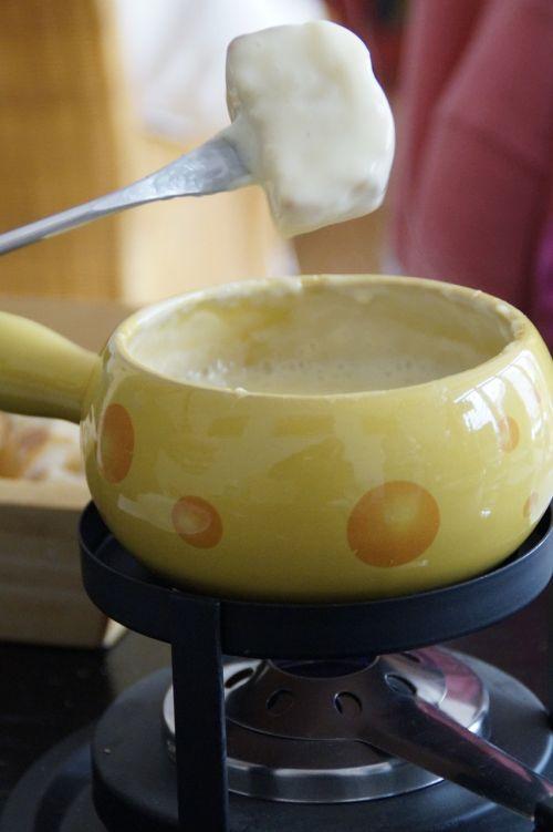fondue switzerland cheese fondue
