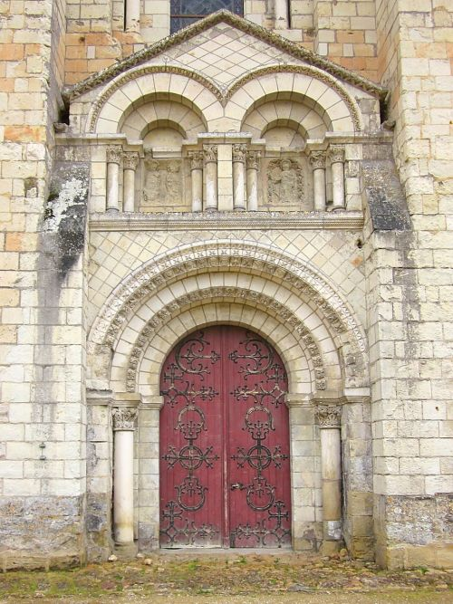 fontevraud abbey portal france