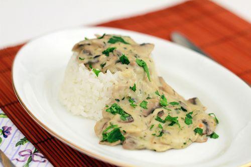 maistas,grybai,ryžiai,grybų padažas,grybų troškinys