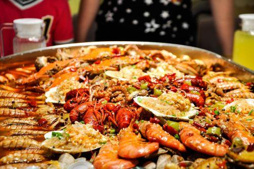 food seafood dine together