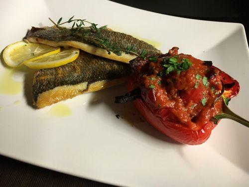 food dine fish