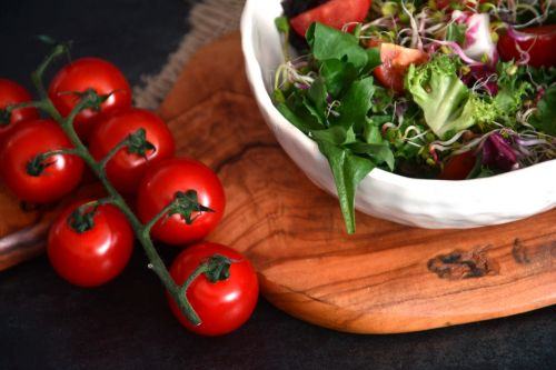 food tomatoes vegetable salad