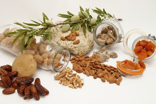 food  healthy  dried fruits