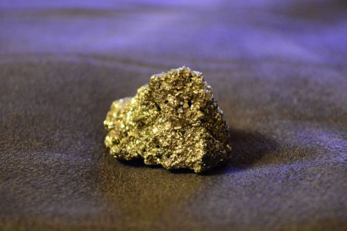 fool's gold iron pyrite mineral