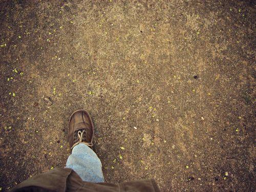 foot tread treading