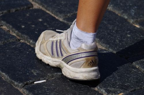 foot sneaker runner
