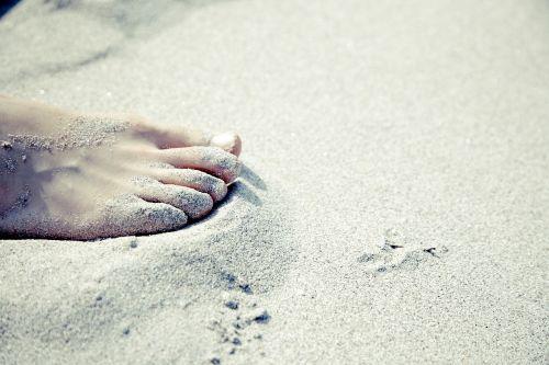foot barefoot sand beach