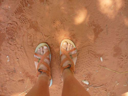 foot sand ochre