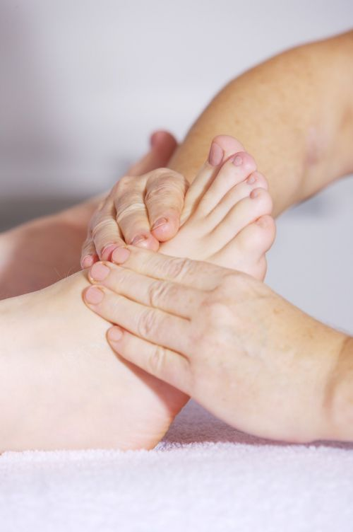 foot massage foot reflexology alternative medicine