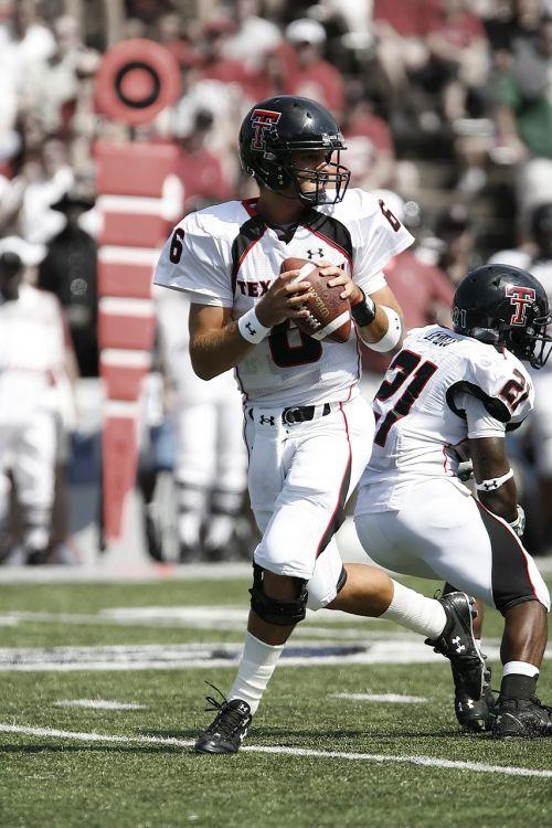 american football quarterback passer