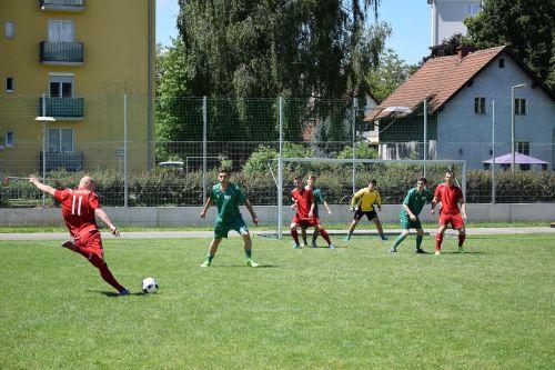 football match play football