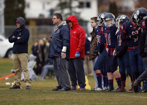 football team coach sidelines