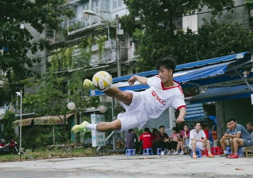 footballer  football  street