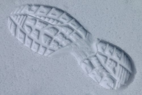 footprint profile in the snow
