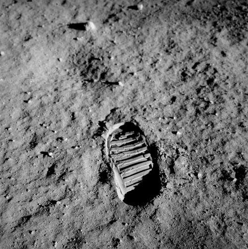 footprint apollo 11 buzz aldrin
