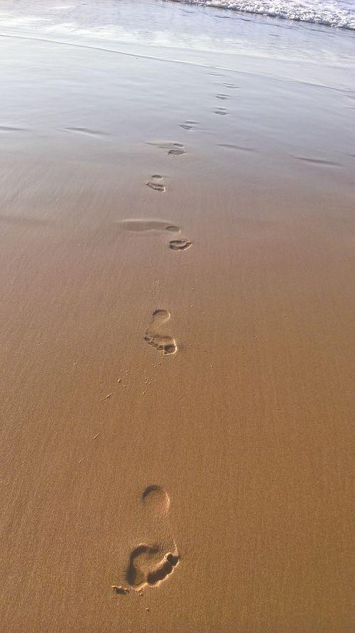 footstep beach sea