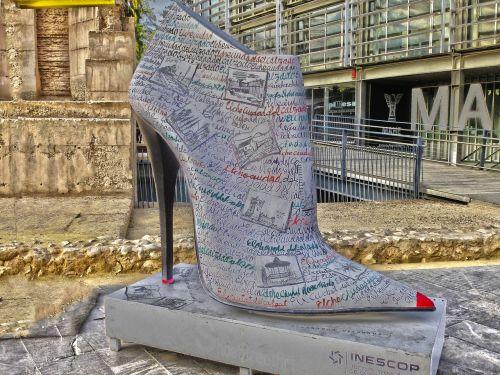 footwear shoe statue