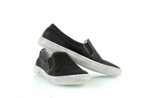 footwear sneakers kampa