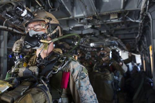 force reconnaissance halo jump