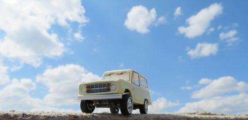 ford bronco car sky
