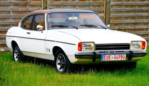 ford capri sport coupé car town