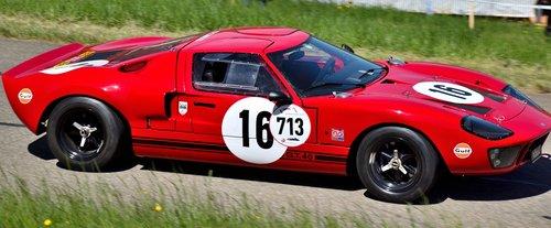 ford gt 40  hillclimb  sports car