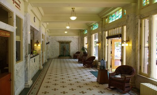 fordyce bathhouse lobby  hot  springs