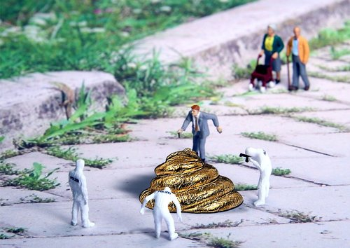 forensics  poop  miniature figures