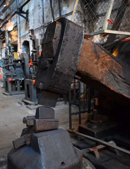 forge hammer iron
