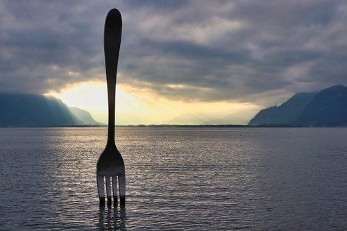 fork  sculpture  vevey