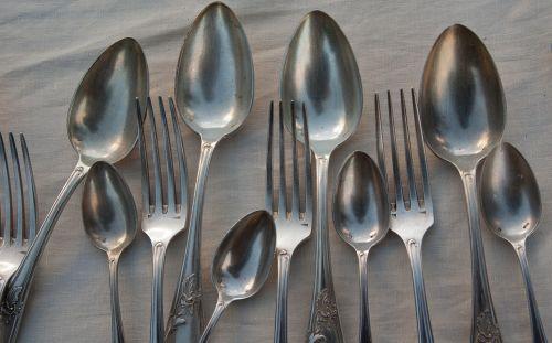 forks spoons silverware