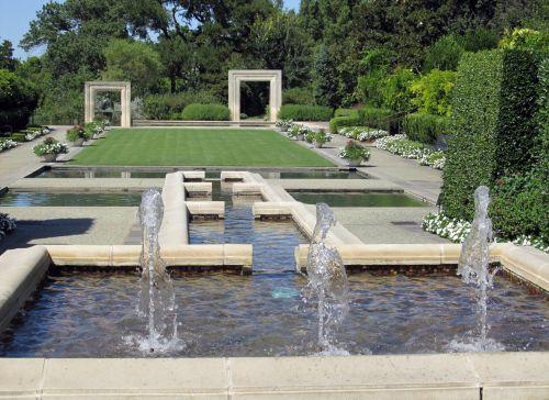 Formal Garden Setting Fountains