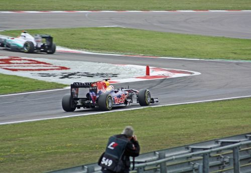 formula 1 car racing speed