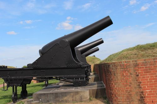fort 1812 cannons