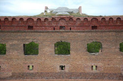 fort jefferson bricks wall