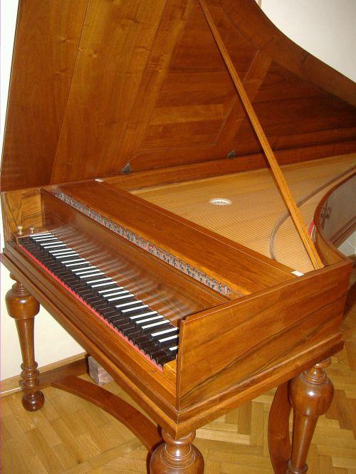 fortepiano piano grand piano