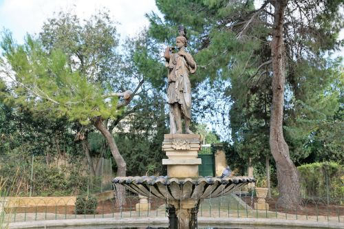 fountain sculpture woman