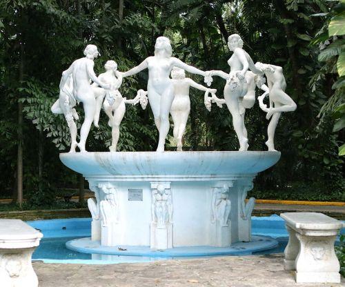 fountain tropicana cuba