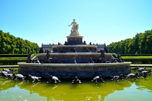 fountain schlosspark herrenchiemsee herrenchiemsee