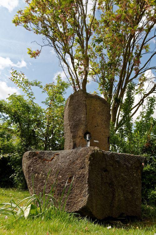 fountain stone water