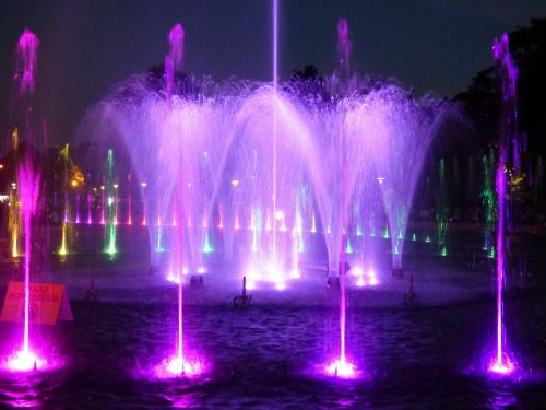 fountain water light