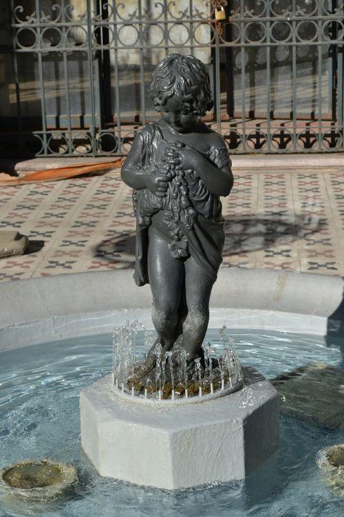 fountain statue figure
