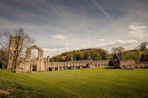 fountains abbey  fountains  abbey