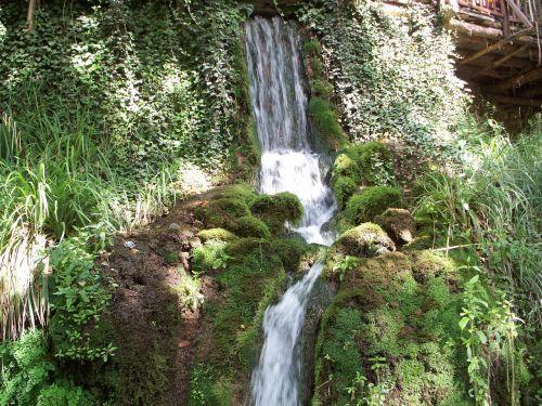 fountane waterfall pamukkale