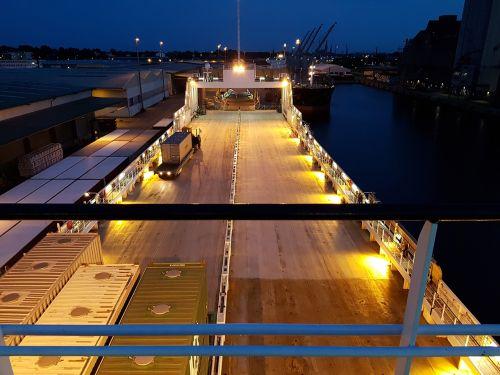 frachtschiff cargo container